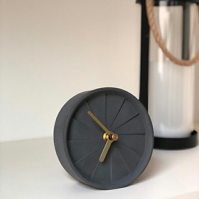 置き時計 セメント オブジェ クロック 単三電池1本使用 グレー ホワイト ブラック ピンク コンクリート 白 黒 【art of black】
