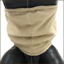 ギャザー加工でワンちゃんの身体にフィットしやすく、しっかりフィットする設計です。