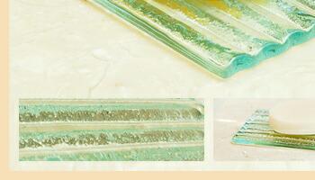 バリの波を思わせるナミナミのデザインは、水切りの役割をして、ソープを長持ちさせてくれます。