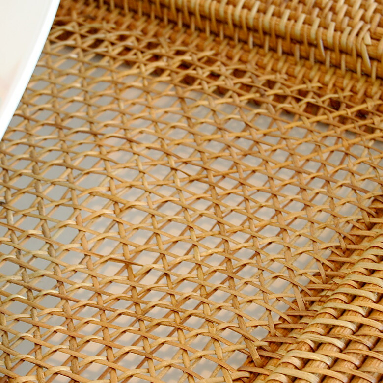 天然素材ラタン100%で編まれたランチョンマット