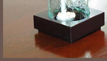 夜はキャンドルスタンドとして、昼間はオシャレなオブジェとして2通りの使い方ができる優れモノ。