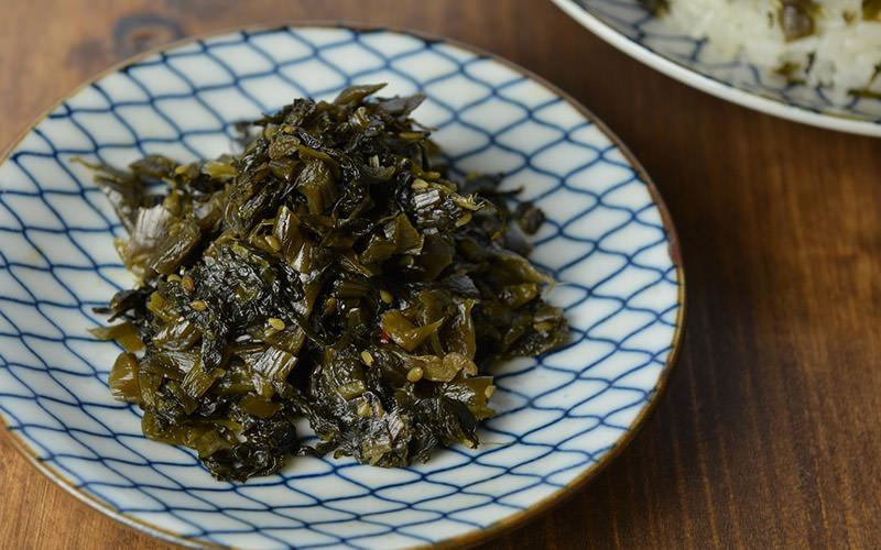 「高菜漬けの油炒め」ですので、そのまま食べても美味しいです。