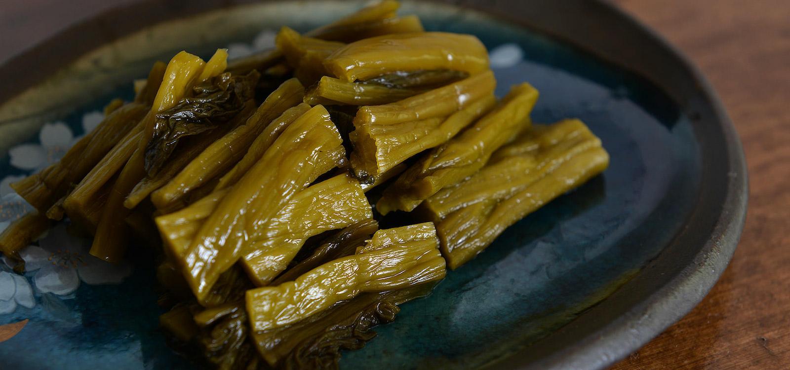 誠食品が作る、阿蘇名物「高菜漬け」。