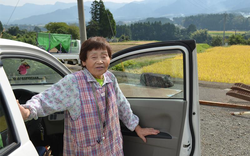 車でやってきた松子さん