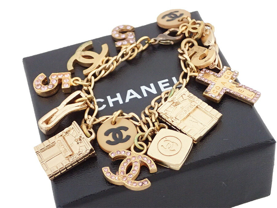 There Is Reason It A Chanel Here Mark Bles Let Chain Bracelet Charm Lady S Pink X Gold Metal Ings Rhinestone Material