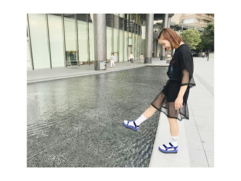 5f1c6fe2f0d FLATFORM UNIVERSAL VELVET (flat form universal velvet) which updated  popular platform sandals in a velvet material. The strap which can regulate  holds a ...