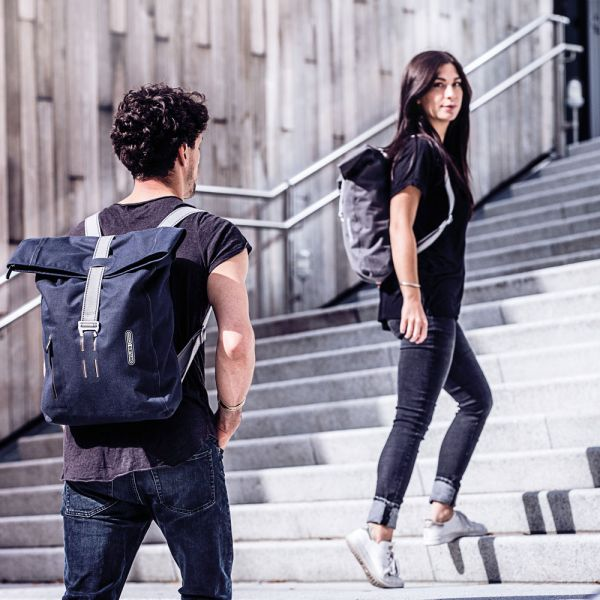 59e79c7ddd8 The light weight day pack which adopted original コーデュラコットンファブリック by an  urbane design increased a new color