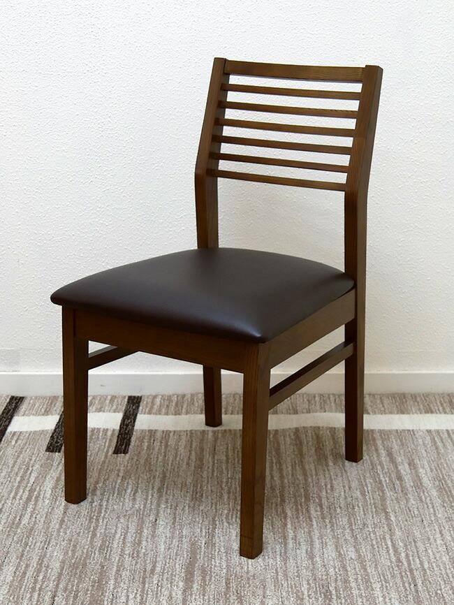 座り心地が良い木製ダイニングチェア