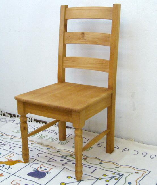 カントリーダイニングチェア シンプルなデザインの木製椅子 座面高42cm