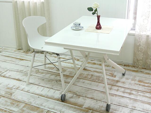 白色のリフティングテーブルに合うダイニングチェア