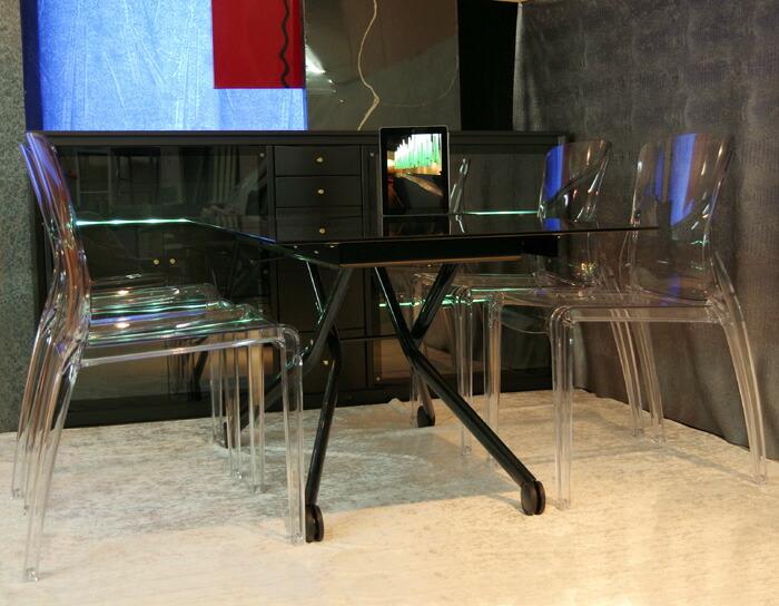 ブラックガラス リフティングテーブル ダイニングセット クリア色の透明椅子