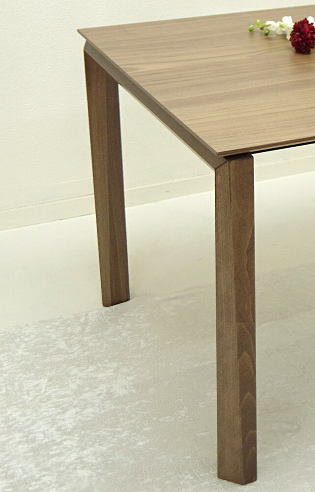 イタリア製伸張テーブル