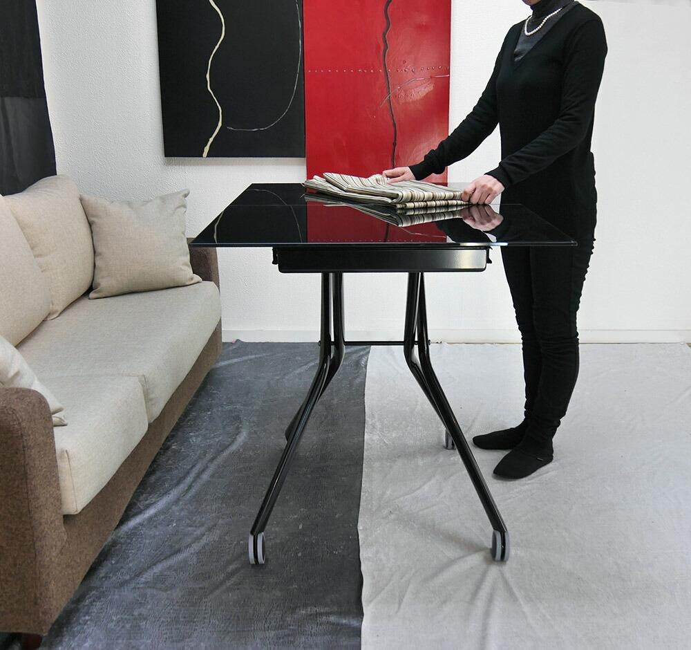 強化ガラスリビングテーブル