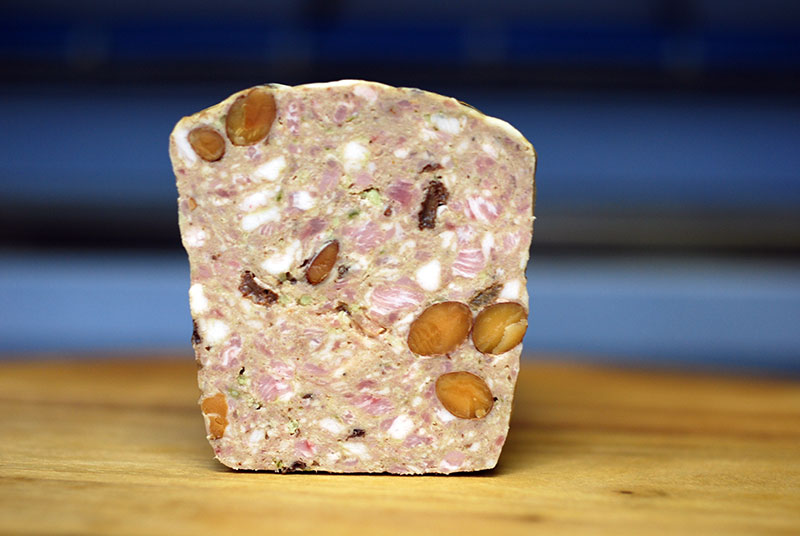 ドライフルーツとナッツのはいった豚肉のテリーヌ 抹茶風味 約80g 冷凍 Terrine de porc aux fruits secs
