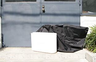 大きな(W660×D480×H400?程度まで)お荷物の場合、ケース内のバッグを広げ収納できます