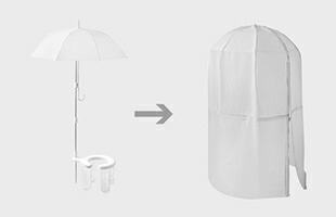 「普段使っているビニール傘」+「ミニムレットセット内テント・ポール・便座」を使うことで、周りからの視界を遮るプライベート空間を確保する事が出来ます