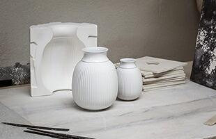 Lyngby porcelain Curve Vase white は LargeサイズとSmallサイズの2サイズの展開です