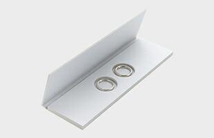 厚さ4mm未満のリングに関してはペアの指輪が収納できる白いパッケージに、4mm以上のリングは白い一般的なジュエリーBOXに入れてお届けいたします