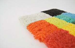 アクリルは吸収性が少ない為、水溶性の汚れが付着しにくく、カビや害虫の心配もありません