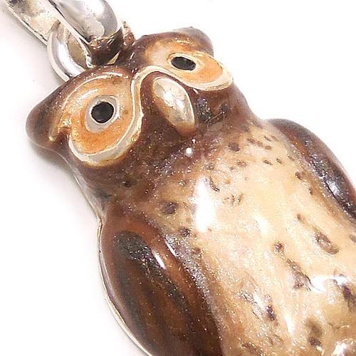 サツルノ:フクロウのシルバーチャーム