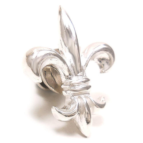ベルフィオーレ:フルール・ド・リスの銀製ピンバッジ