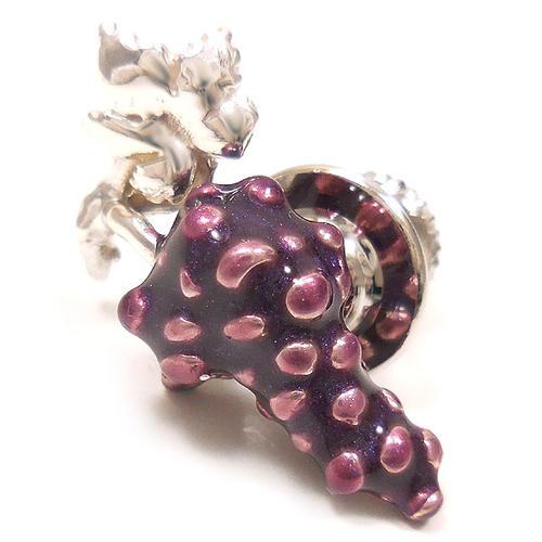 サツルノ:ブドウのピンズ