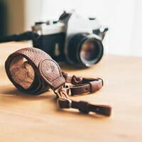 カメラストラップ 本革 一眼レフ ミラーレス メンズ/レディース 牛革 ウォッシュドレザー