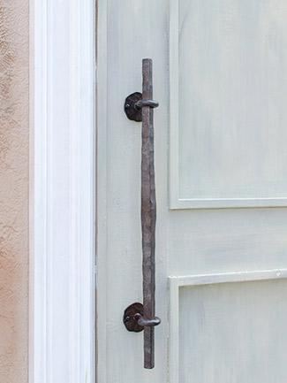 アイアン 取っ手 ハンドル 扉用 ドアハンドル ロング BUKOTU HRT-2001 面付けタイプ ハンドメイド ナチュラルクリアー玄関ドア ドア 装飾取っ手 ドアノブ
