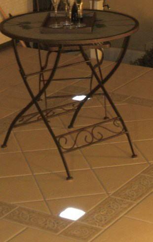 ソーラーブリック 角型 ホワイト