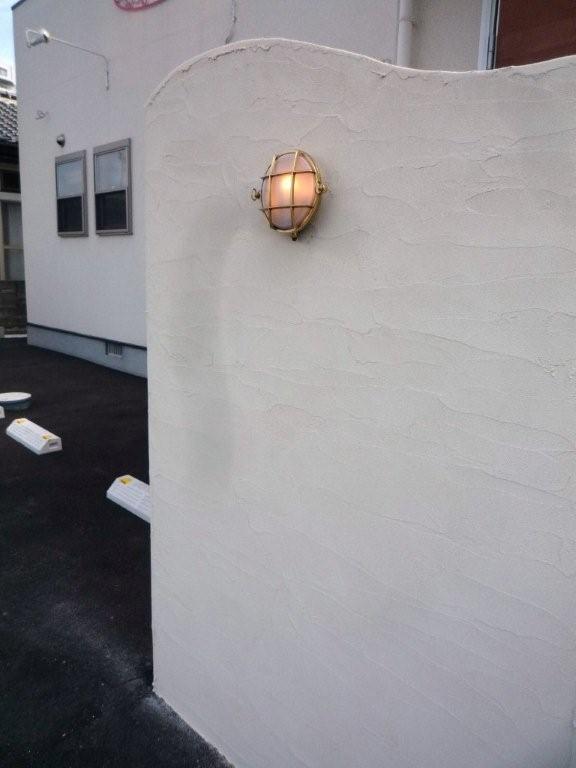 お客様からの施工画像 玄関照明 照明 LED 玄関 照明 屋外 門柱灯 門灯 外灯 ポーチライト 屋外 マリンライト BH2028B FR LE くもりガラス 真鍮 照明 ブラケット 照明器具 おしゃれ E17 LED電球 5W