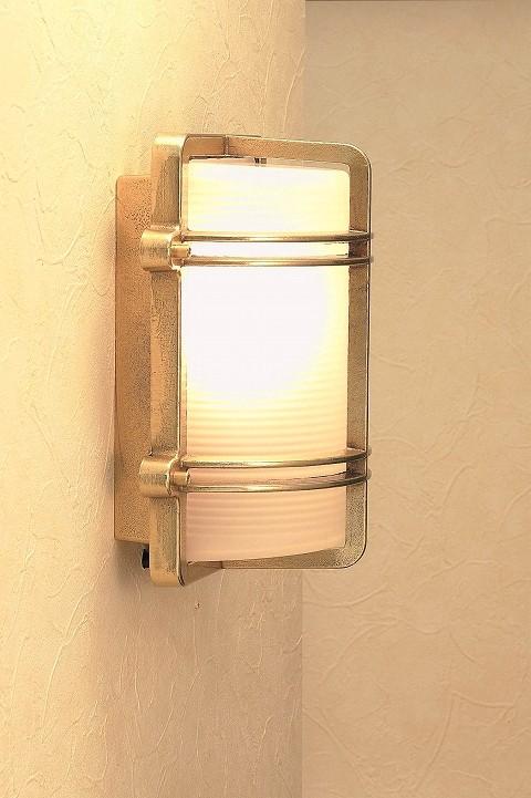 マリンライト 玄関照明 照明 LED 玄関 照明 屋外 門柱灯 門灯 外灯 ポーチライト 屋外 マリンライト BH2373 FR LE くもりガラス 真鍮 照明 ブラケット 照明器具 おしゃれ E26 LED電球 12W