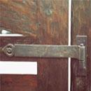 ウッド門扉 R-1型0812柱仕様■両開きセット ヒンジ部(裏側)