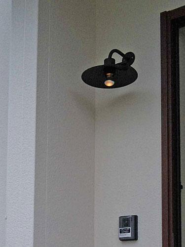 お客様取付施工例 玄関照明 玄関 照明 LED 屋外 門柱灯 門灯 外灯 ポーチライト ポーチ灯 アイアン 照明 ガーデンライト07 ブラケット 照明 ハンドメイド 照明器具 おしゃれ NA1-GL07N