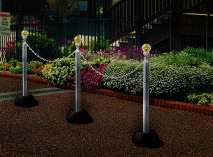 駐車場ポール 区画整理用品  ソーラーチェーンスタンド  本体3本+ポリ台3個+チェーン5m付き