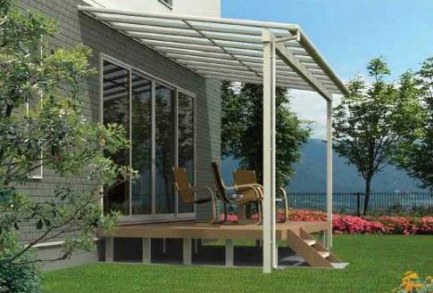 設置条件に合わせて、左右の柱を移動出来る大人気のフラット屋根タイプテラス。標準桁仕様「オリジナルテラス」
