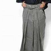 シンプルな縞袴