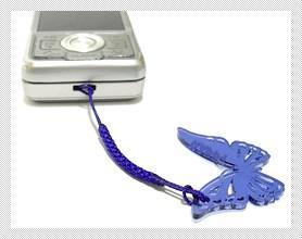 クリア蝶アクリル携帯ストラップ 携帯取り付け時