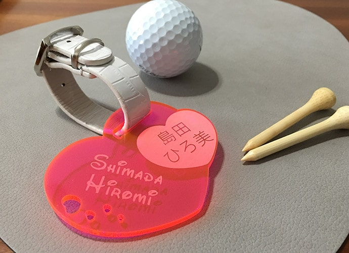 ゴルファーに必携、贈り物に最適!カジュアルなカラーアクリルのオリジナルキャディバッグ用ネームタグ。