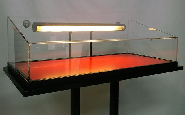 照明入りサンプルケース(L)ライトのアップ写真