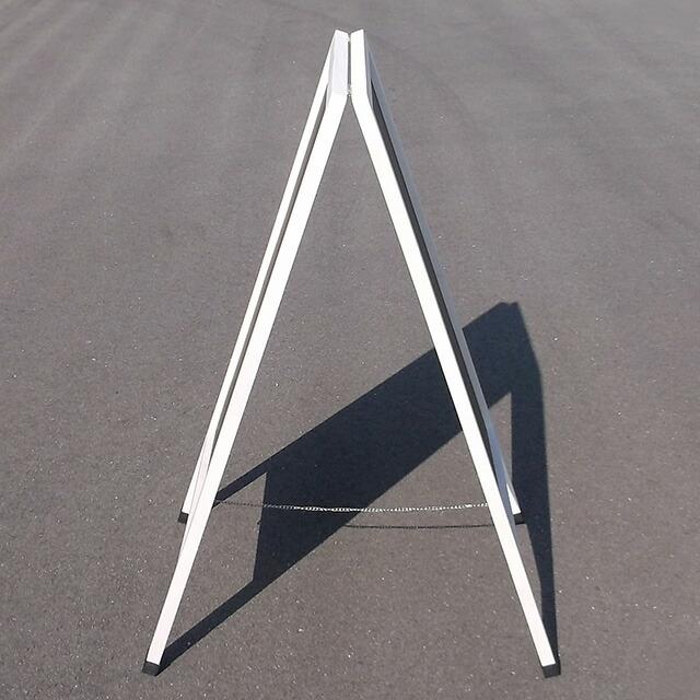 ホワイトフレームマーカースタンド看板側面写真