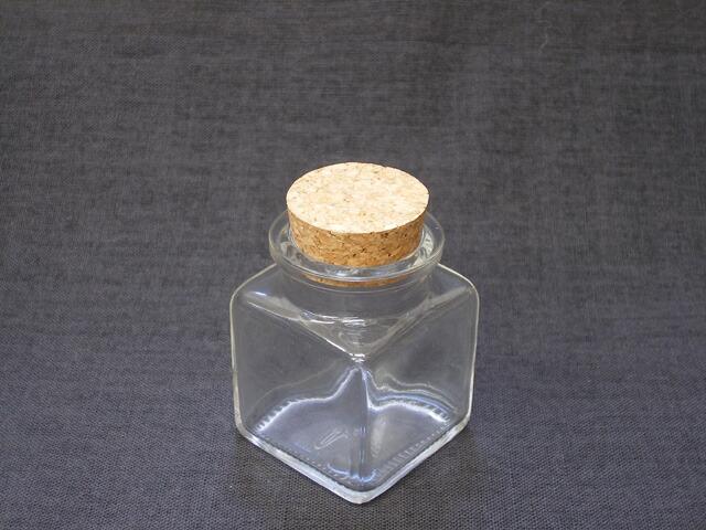 ガラス瓶 50角 コルク栓付