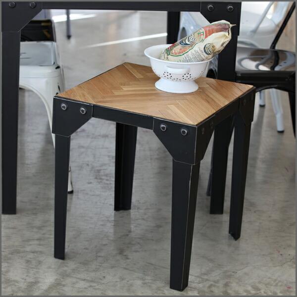 S テーブル