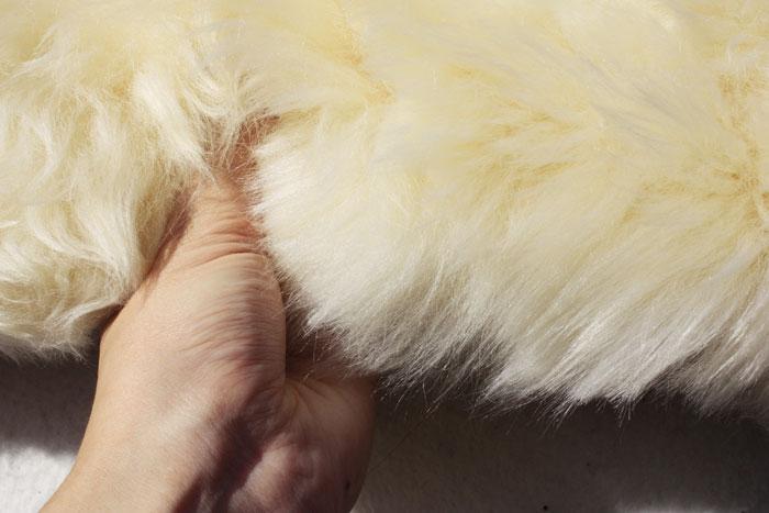 長毛ムートンフリースラグ 6匹サイズ(Y)  約135×185cm ベージュ