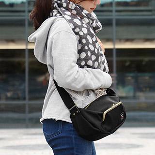 がま口ポケット付き斜め掛けショルダーバッグ【Sarei コーデュラ(R)Eco Fabric】