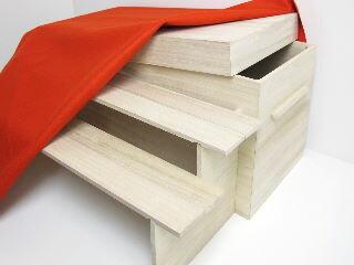 桐製収納型三段台