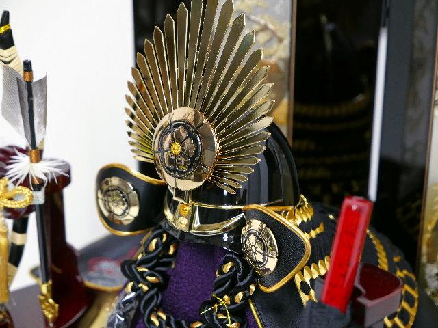 織田信長 黒桃形兜 彫金松鷹段違い屏風花梨塗 兜収納飾り 五月人形 兜飾り