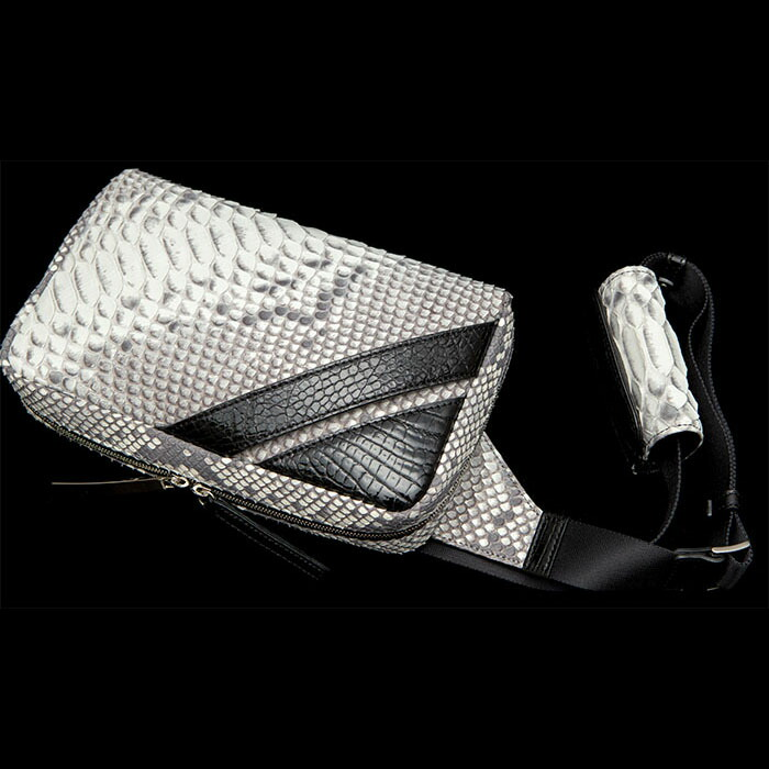 【池田工芸】日本最大のクロコダイル専門店が贈るCrocodile Python Body Bag(クロコダイルパイソンボディバッグ)【12月11日頃出荷】