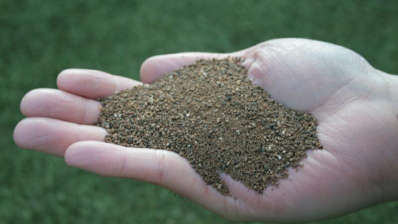 土壌になじみやすい顆粒タイプです