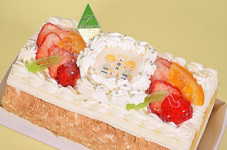 No,3入園祝い苺と生クリームのロールケーキ