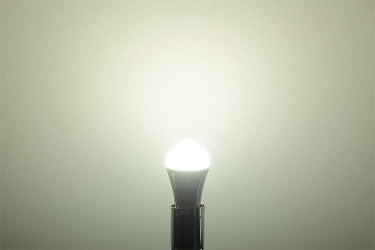 人感センサーLED電球